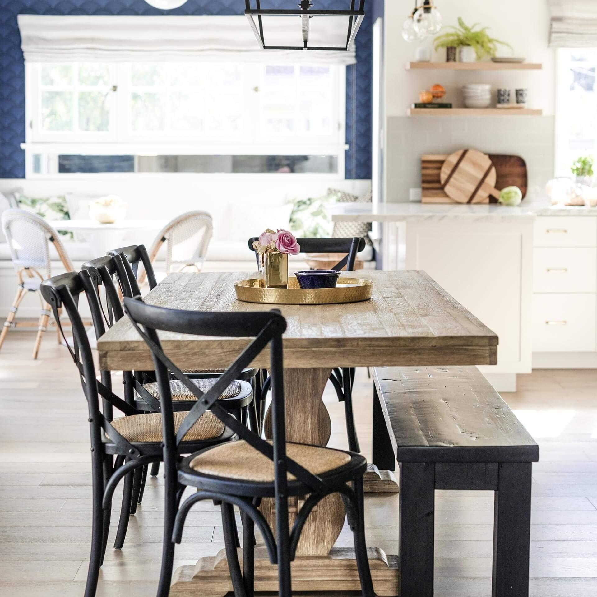 Sfaturi pentru întreținerea mobilierului din lemn masiv